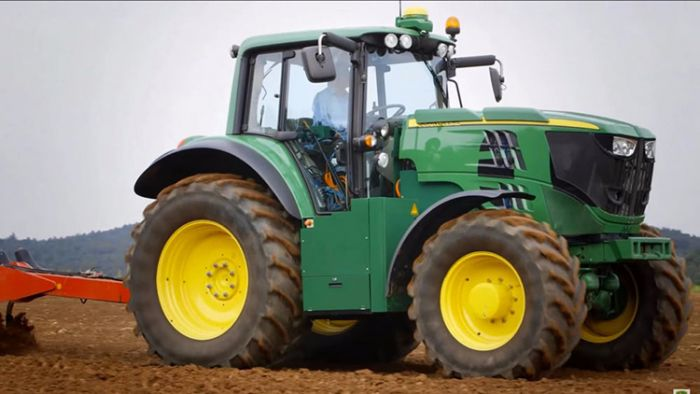 John Deere presents electric tractor SESAM