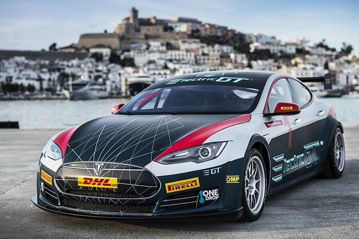 Electric GT Championship with Tesla S race machine