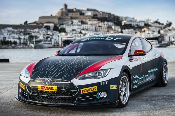 Electric GT Championship, con el Tesla S de carrera