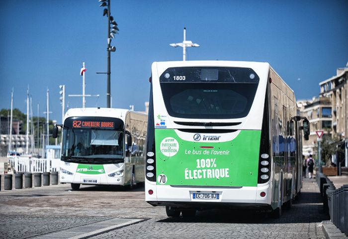 Irizar will deliver 18 electric articulated buses