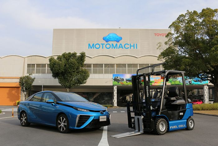 Hydrogen-powered forklifts by Toyota