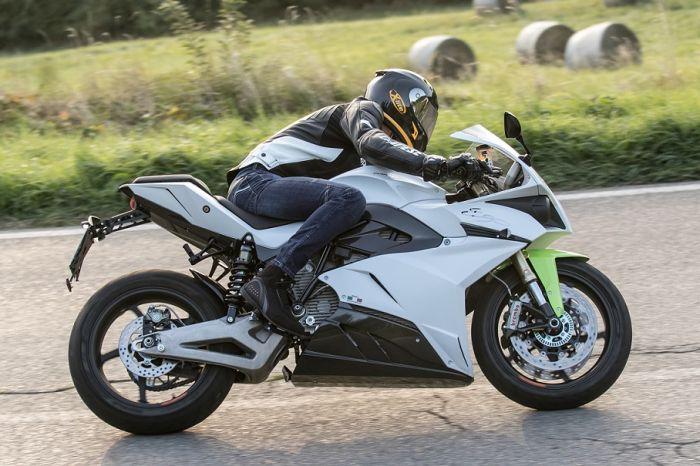 Motocicleta eléctrica Energica con mayor potencia.