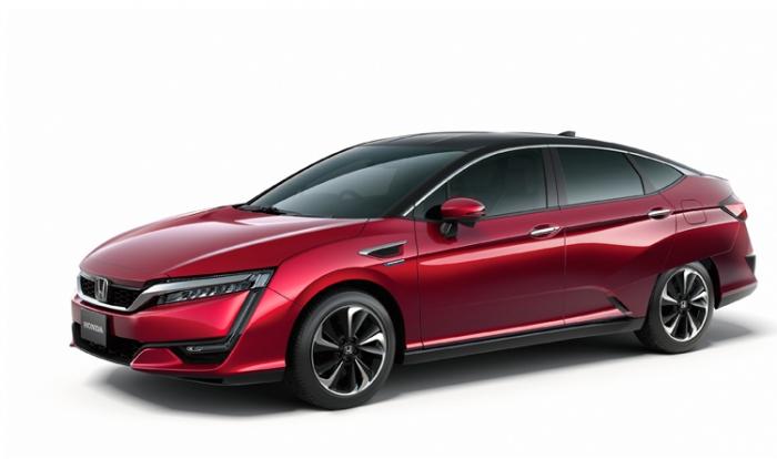 Honda presents Clarity Fuel Cell at Tokyo Motor Show