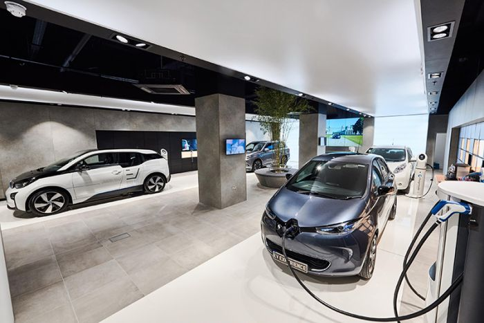 First Multi-Brand Electric Vehicle Center near London
