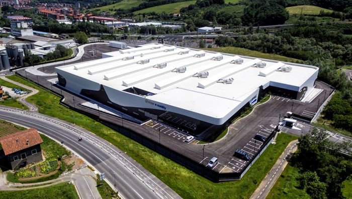 Irizar manufactures new electric buses at new premises