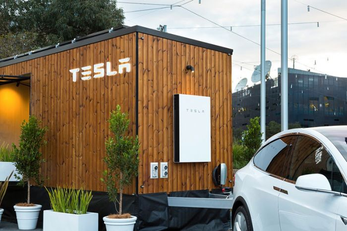 Tesla Tiny House travelling through Australia