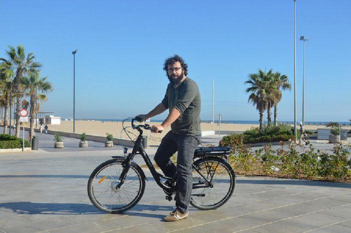 Valencia instala bicis solares