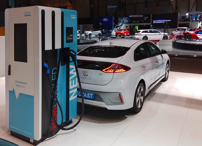 EVTEC and GOFAST, fast charging without cooled cables