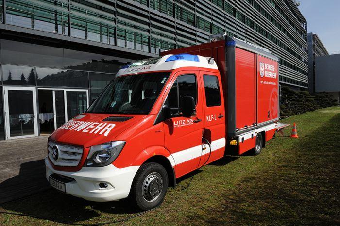 Vehículo contra-incendio totalmente eléctrico
