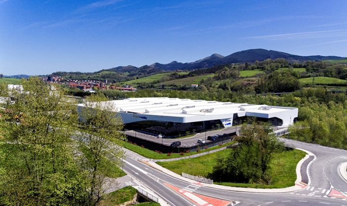 Irizar inaugura primera planta de electromovilidad