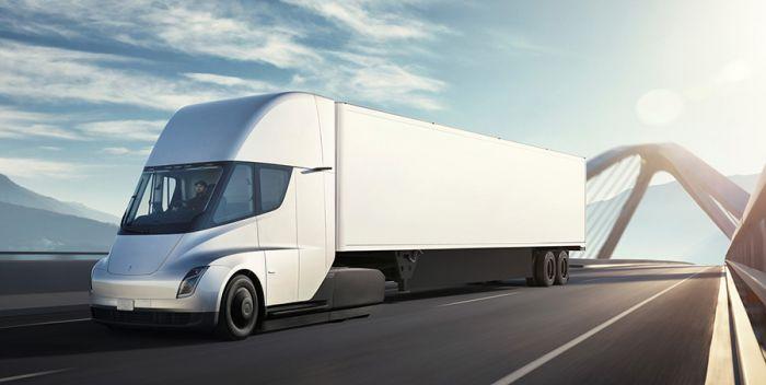 Un largo recorrido con el camión Tesla