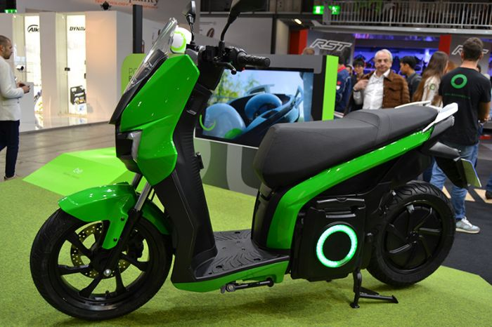 Silence presenta su scooter SO1