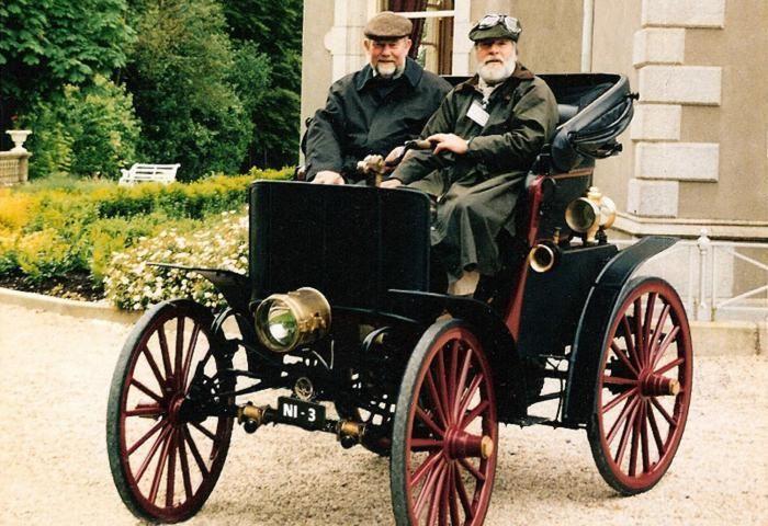 La carrera Londres-Brighton Veteran Run empezó hoy... y hay coches eléctricos