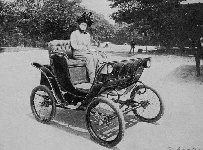 Der Ewige Kreislauf: Frauen am Steuer von Elektrofahrzeugen