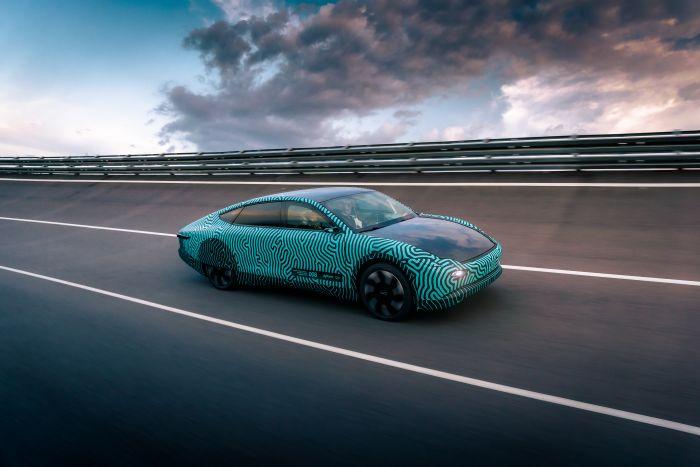 El coche electro-solar de Lightyear alcanza 700 kilómetros de autonomía