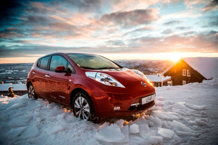 Nissan Leaf 30 kwh breaks the ice