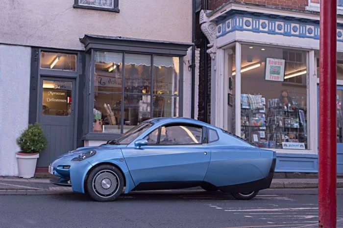 Riversimple, a network hydrogen fuel cell car