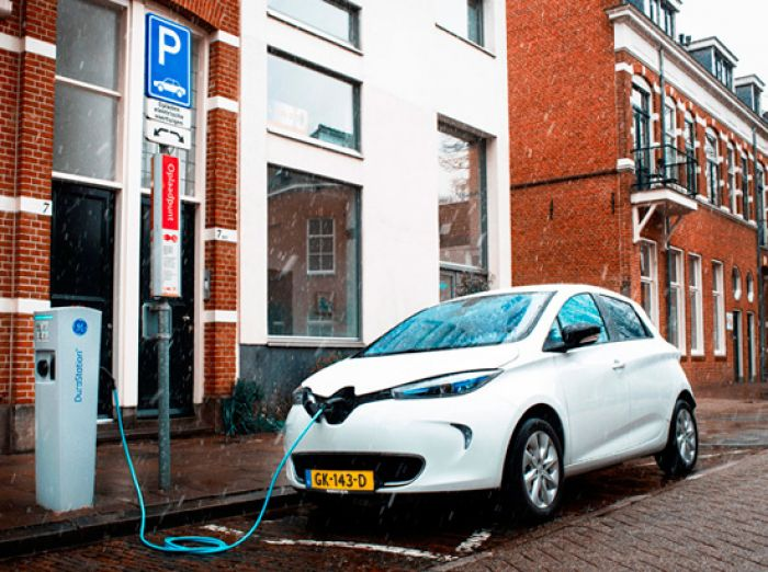 150 Renault Zoe for solar charging project in Holland