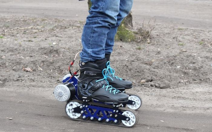 Elcetric off road rollerblades