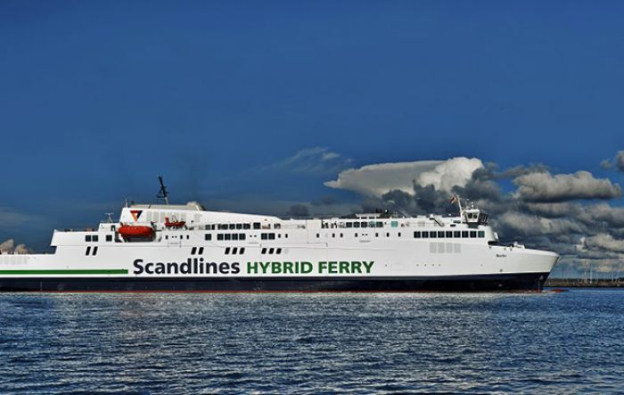 Hybrid ferry in service in Germany