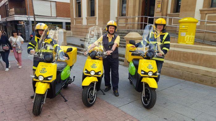 Correos incorpora a su flota 7 scooters eléctricos Scutum en Vizcaya