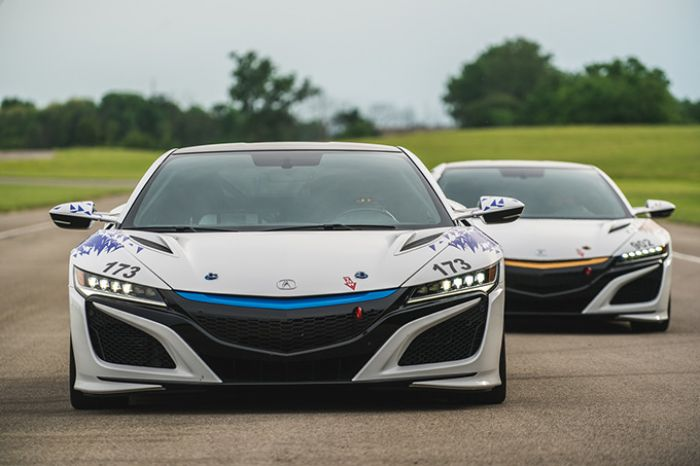 Acura (Honda) NSX fully electric for racing