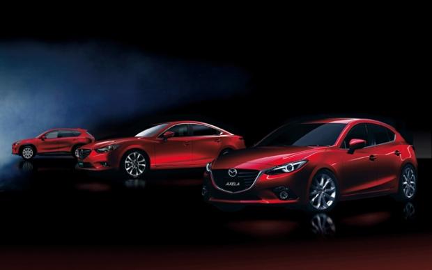 Mazda con tracción híbrida