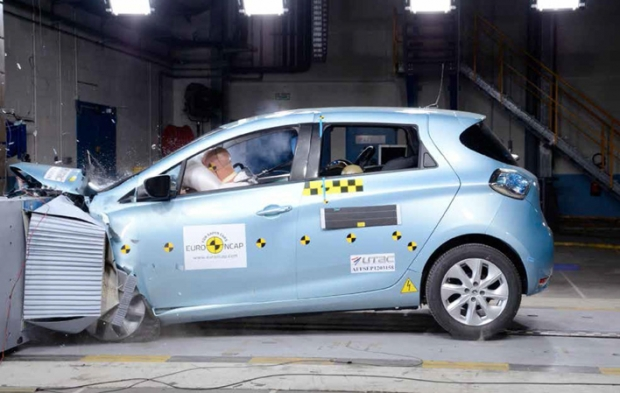 5 stars and Best in Class for Renault Zoe