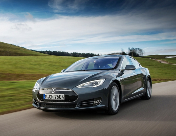 Tesla presents Model S for fleet buyers