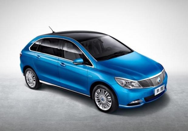 Daimler-BYD presenta su DENZA eléctrico en China