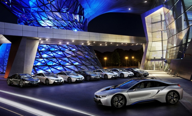 BMW delivers first i8