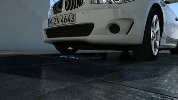 BMW va por la recarga por inducción