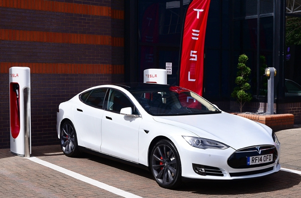 Tesla already installed 168 superchargers for the S