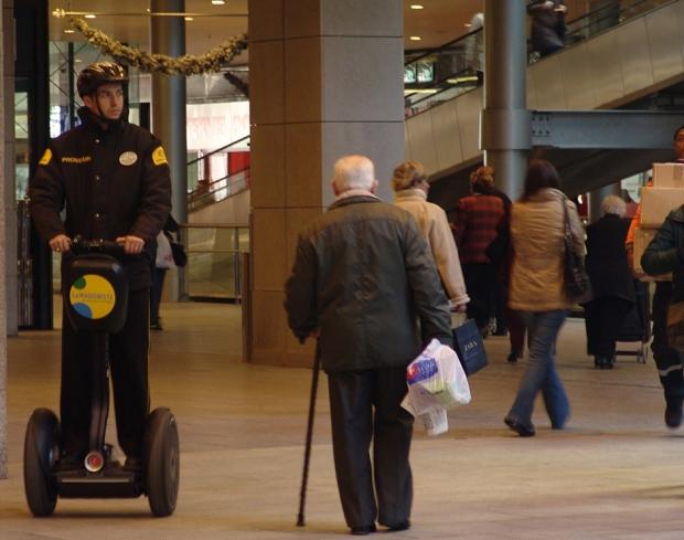Segway con la seguridad en Centros Comerciales