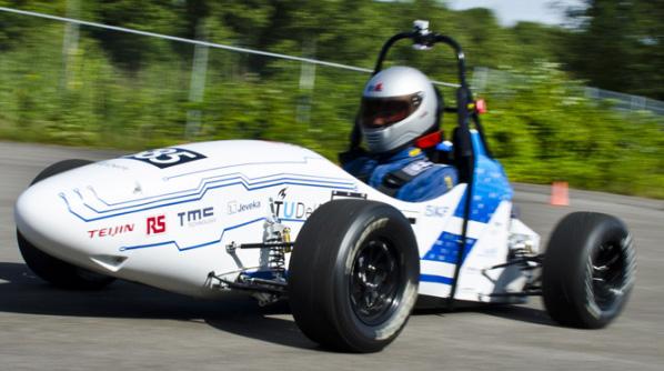 ZF patrocina la Fórmula Student