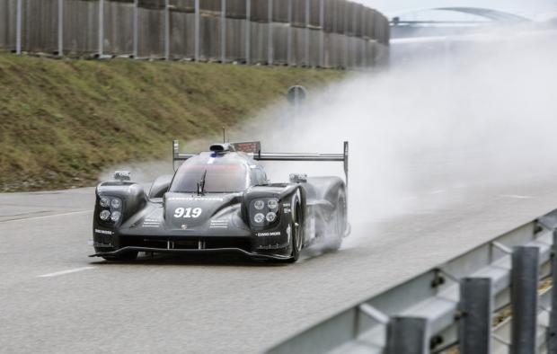 Track debut for 2015 Porsche 919 Hybrid