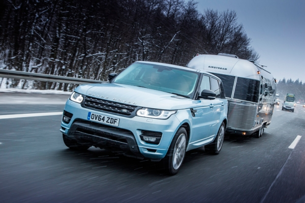 Range Rover Hybrid on to the Arctic Circle