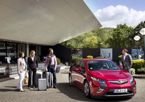 El Opel Ampera se alquilará con Europcar
