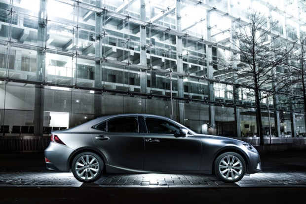 Lexus IS300h revised