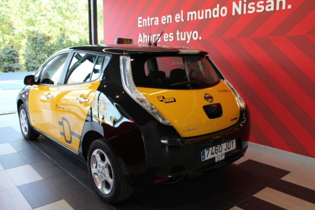 Nissan leaf taxi in barcelona new prestige electric car - Cab in barcelona ...