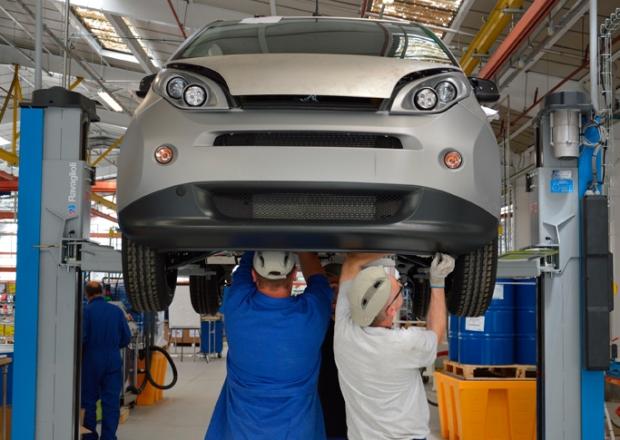 Renault starts assembling Bollore Bluecar