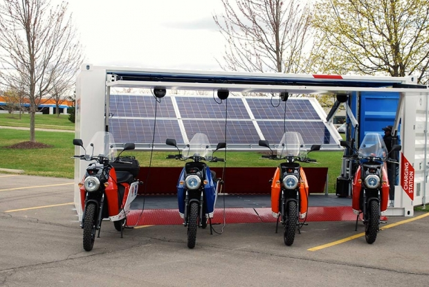 Current Motor mobile solar charging stations and EVs