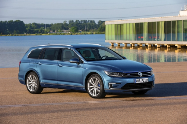 Volkswagen presents new Passar GTE, a plug-in hybrid electric vehicle