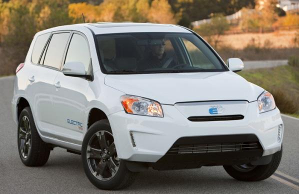 Toyota y Tesla fabricarán el RAV4 eléctrico en Canadá
