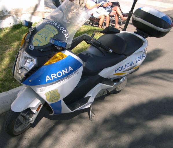 Promesas y vehículos eléctricos en Canarias