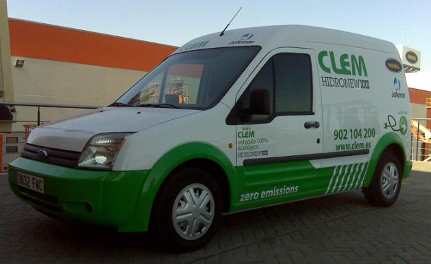 Una Ford Transit Connect Eléctrica en servicio de CLEM