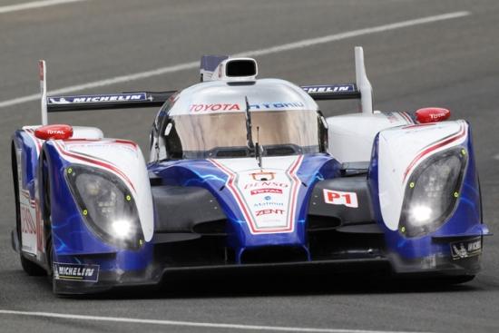 El Toyota TS030 Hybrid participa en Silverstone