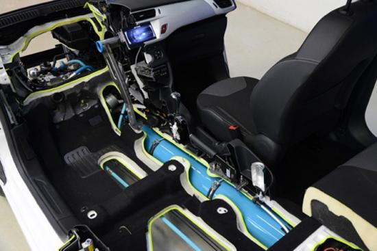 Peugeot Citroën invents Hybrid Air