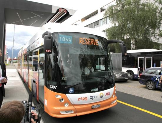 Tosa, autobús eléctrico articulado
